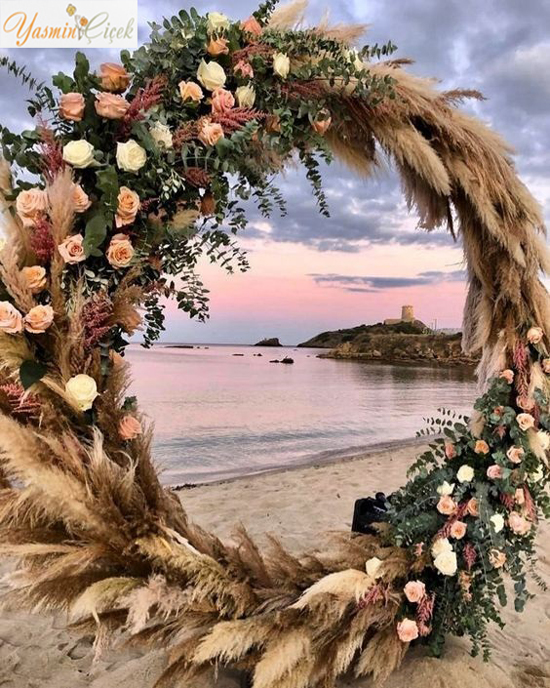 Arka Yuvarlak Fon Pampas ve Yapay Çiçek