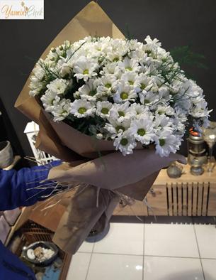 Kraft Kağıtta Kır Çiçeği Buketi