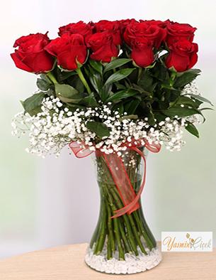 Cam Vazoda İthal Kırmızı Güller